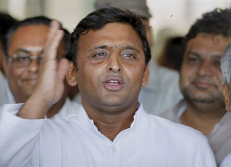 There may be problems in govt, but not in family: CM Akhilesh