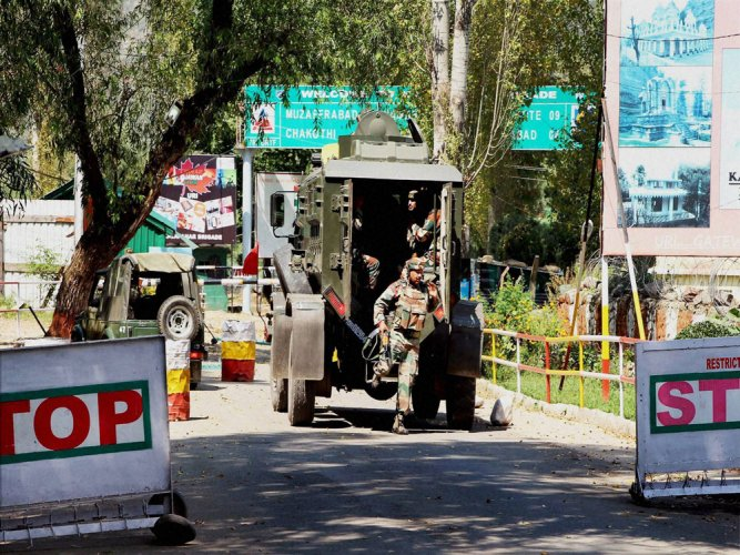 17 soldiers killed in terror attack in Uri