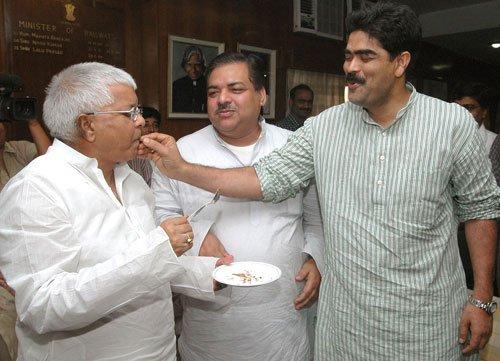 Shahabuddin issue: Why Lalu won't rock Nitish's boat