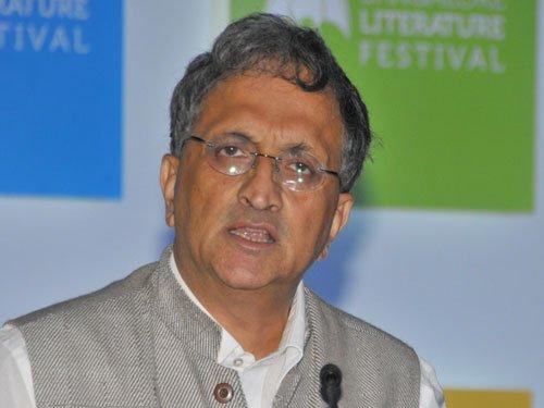Indian pluralism facing one of its biggest threats: Guha
