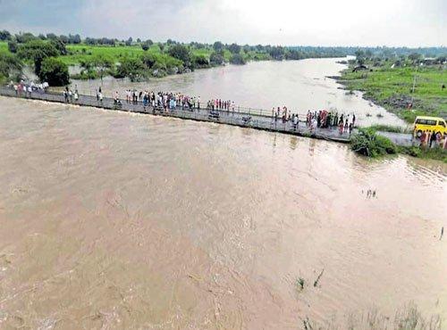 Rain pounds Marathwada