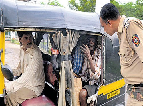 Truckers mistakenly detained