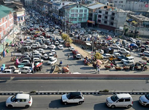 Markets opens as curfew lifted from all parts of Kashmir