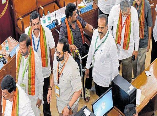 Rajeev Chandrasekhar to challenge denial to vote