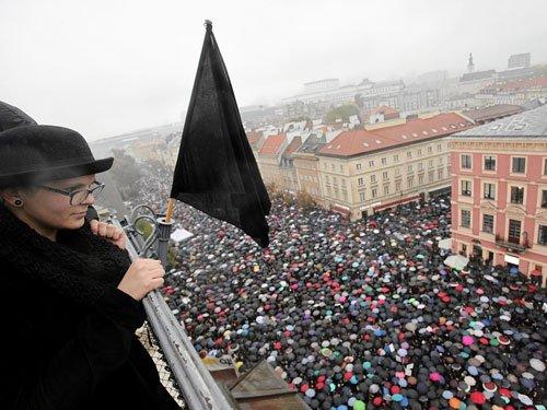 Polish women strike against abortion ban