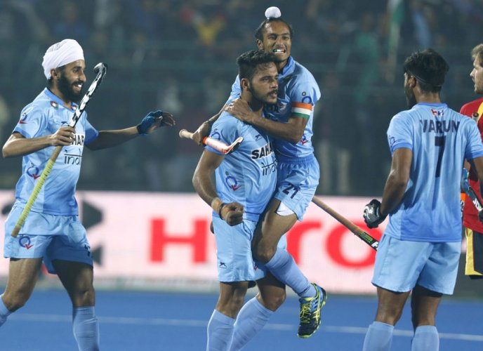 Gritty India colts storm into semifinals