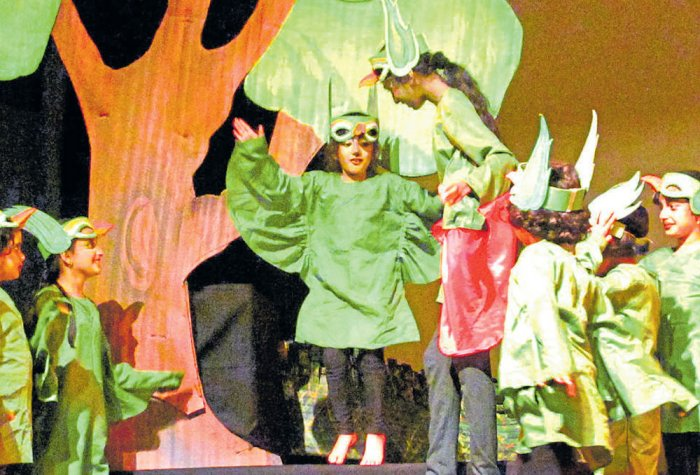 Building bonds via theatre