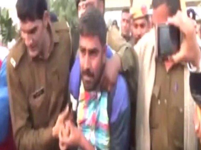 Shoe hurled towards Kejriwal, misses him, at Rohtak rally