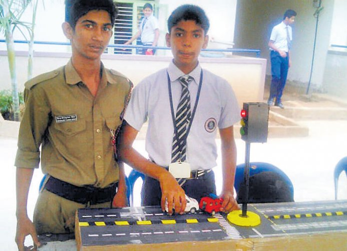 Class 8 student develops model to ease ambulance movement