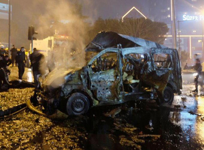 IS claims nightclub carnage as Turkey hunts attacker