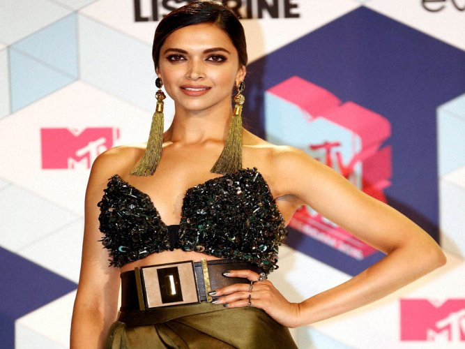 Deepika proud to represent India in Hollywood