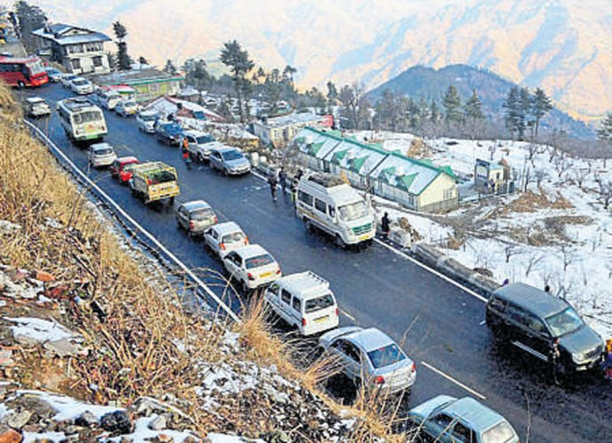 Three killed in  fog-related accidents