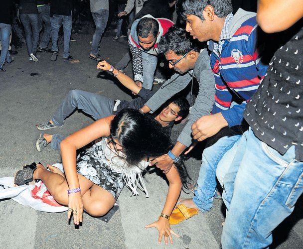 Cops may file suo motu cases against New Year's Eve molesters