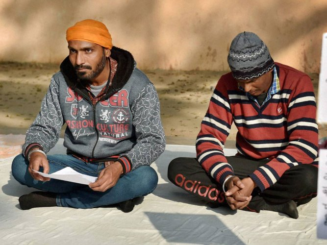 Martyr Udham Singh's great-grandson on dharna for peon's job