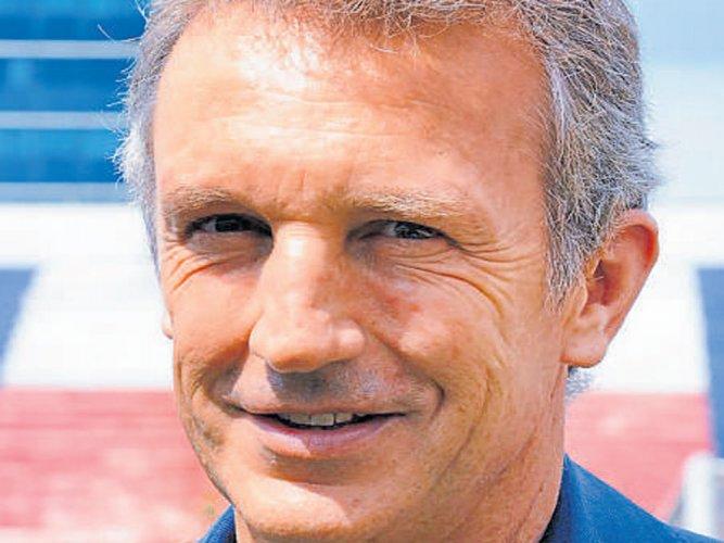 Coach Roca keen to raise the bar