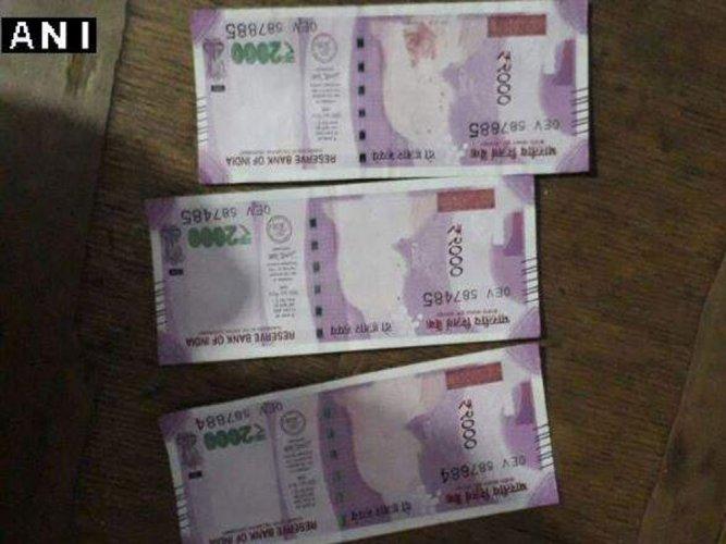 MP farmer gets Rs 2000 notes sans Mahatma Gandhi image
