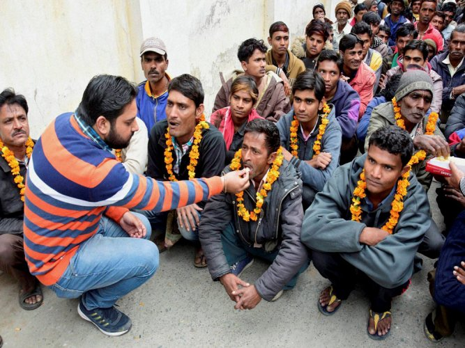 218 fishermen freed from Pak prison arrive in India