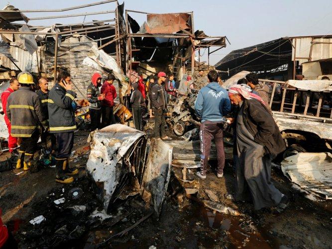 Suicide bomber kills at least 11 at Baghdad market