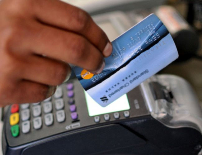 'E-wallets, online cabs top cashless performers post note ban'