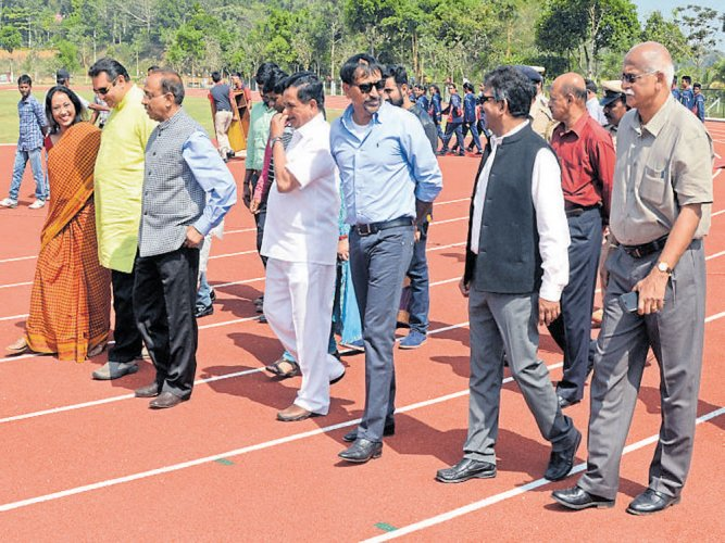 Minister inaugurates new track