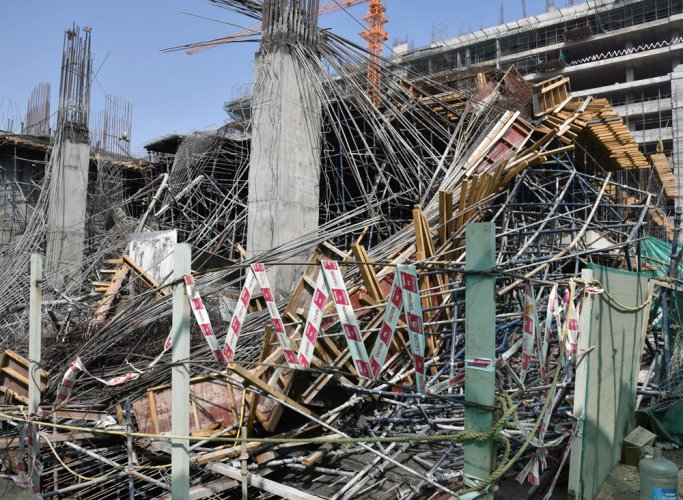 8 workers injured as centring gives way