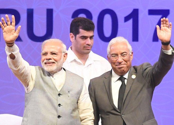 PM: will train youth seeking jobs abroad