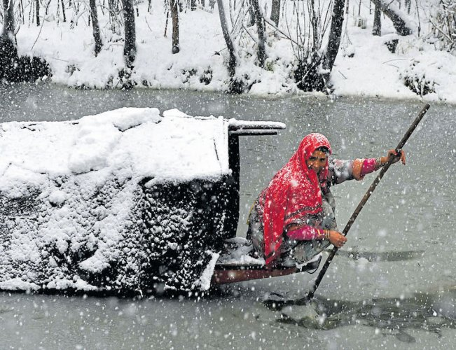 Cold wave intensifies in Valley, Gulmarg coldest at minus 12.4