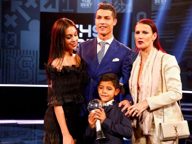 Ronaldo, Ranieri scoop top FIFA awards