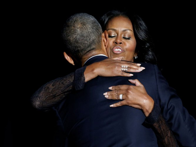 Obama thanks Michelle and daughters in farewell speech