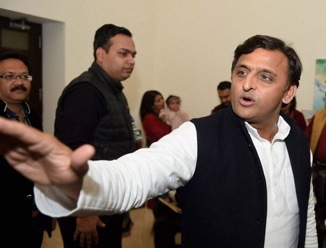 Akhilesh plans out poll strategy with aides, says all is well