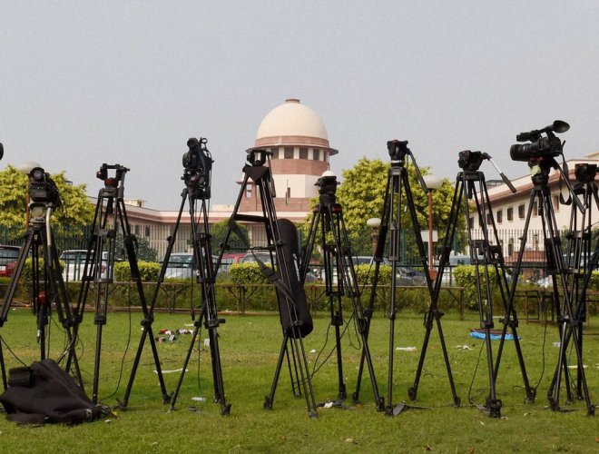 Set up body to deal with complaints against TV, radio shows: SC