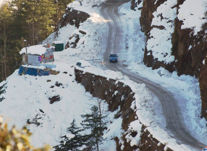 Cold wave kills 2 in HP