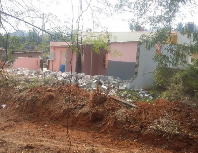 Palike razes four sheds on SWD, takes over 14 sites