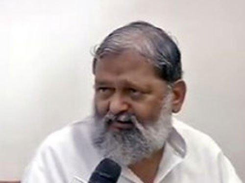PM Modi better brand than Gandhi, says Haryana Minister Anil Vij (Video)