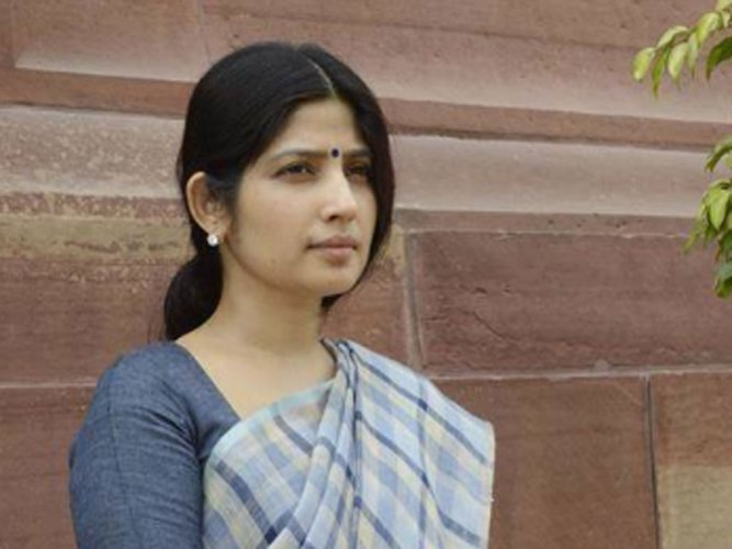 UP polls to see Dimple Yadav come out of family shadow