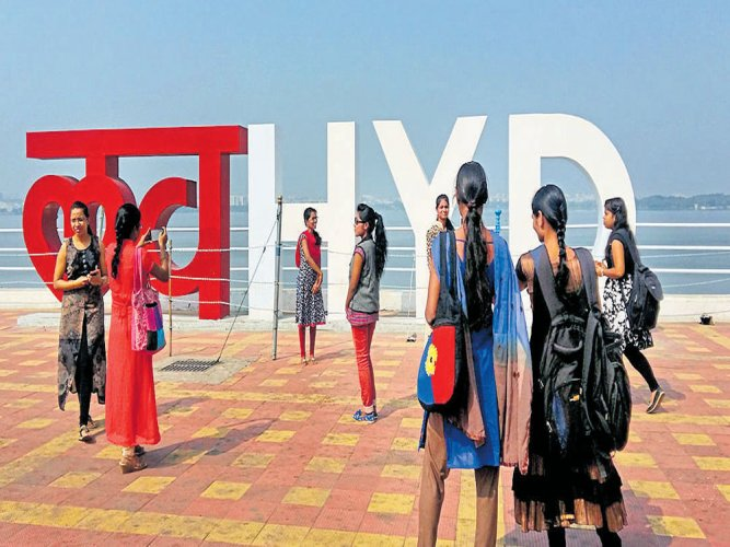 New icons of Nizam's Hyderabad draw crowds