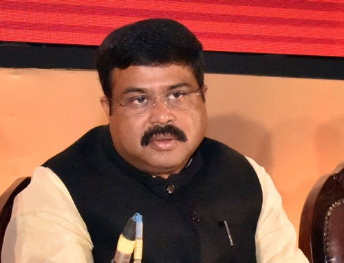 Raids on gas agency of Oil Minister Pradhan's brother
