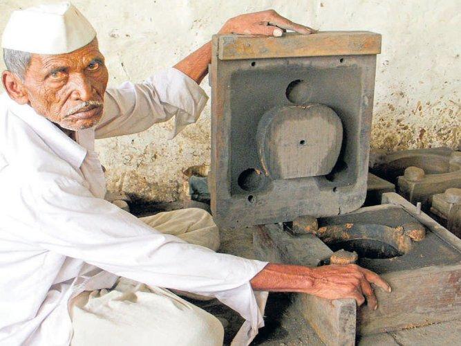 Pots make way for mud stoves