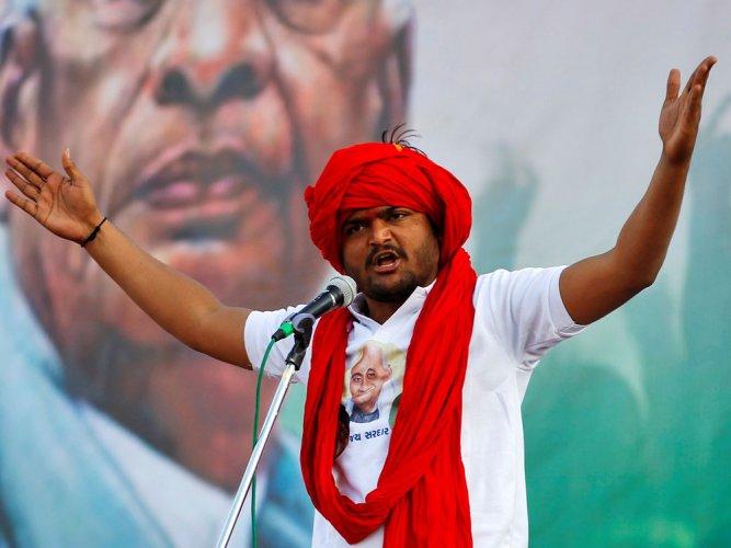 Hardik back home,vows to continue quota stir