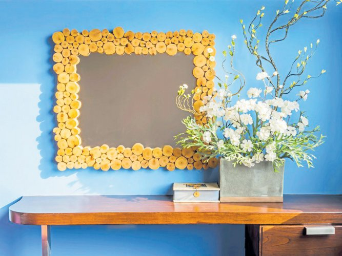 Colours to decorate small areas
