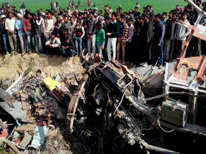 19 children killed  as school bus, truck collide in UP's Etah