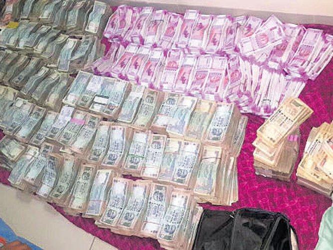 Notes ban: ED arrests Surat-based Bhajiawala under PMLA