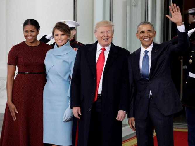 Trump meets Obama at the White House