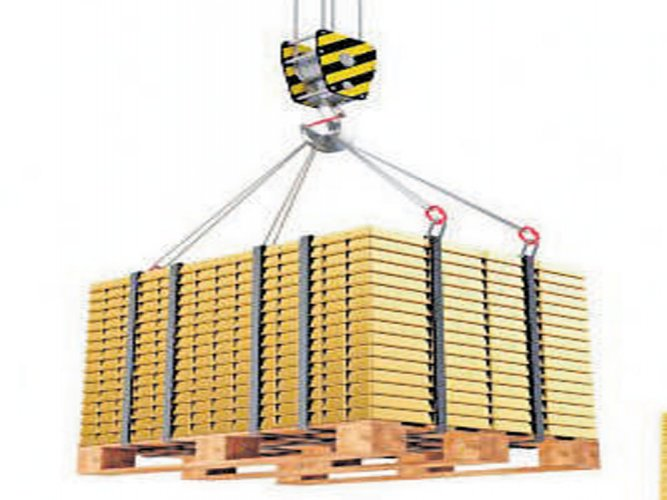 Budget may see reduction in gold import duty