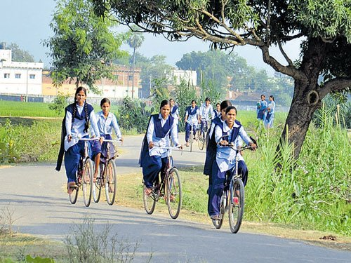 Percentage of 'out-of-school' girls in MP jumps to 8.5: Report
