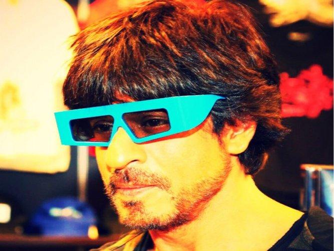 AbRam helps Shah Rukh Khan promote 'Raees'