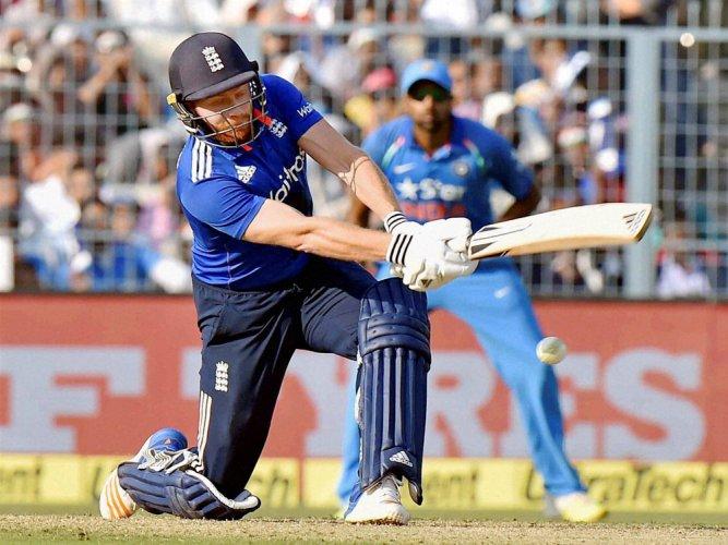 England post decent 321/8 vs India in 3rd ODI