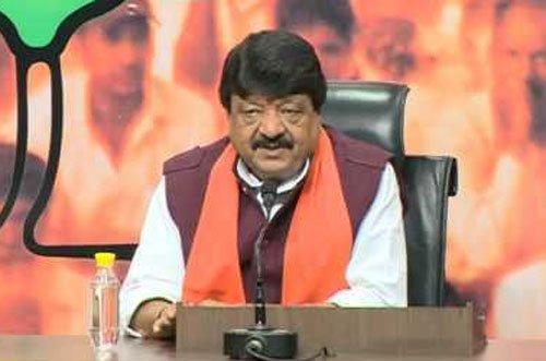 Kailash Vijayvargiya lashes out at 'Raees,' supports 'Kaabil'
