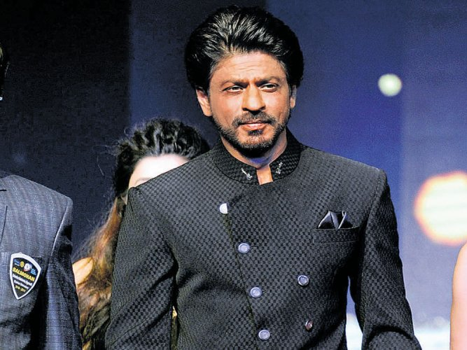 SRK wanted Falguni Pathak to sing 'Udi Udi Jaaye' from 'Raees'