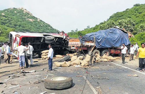 Govt will bring down accidents by 50% by 2020: minister